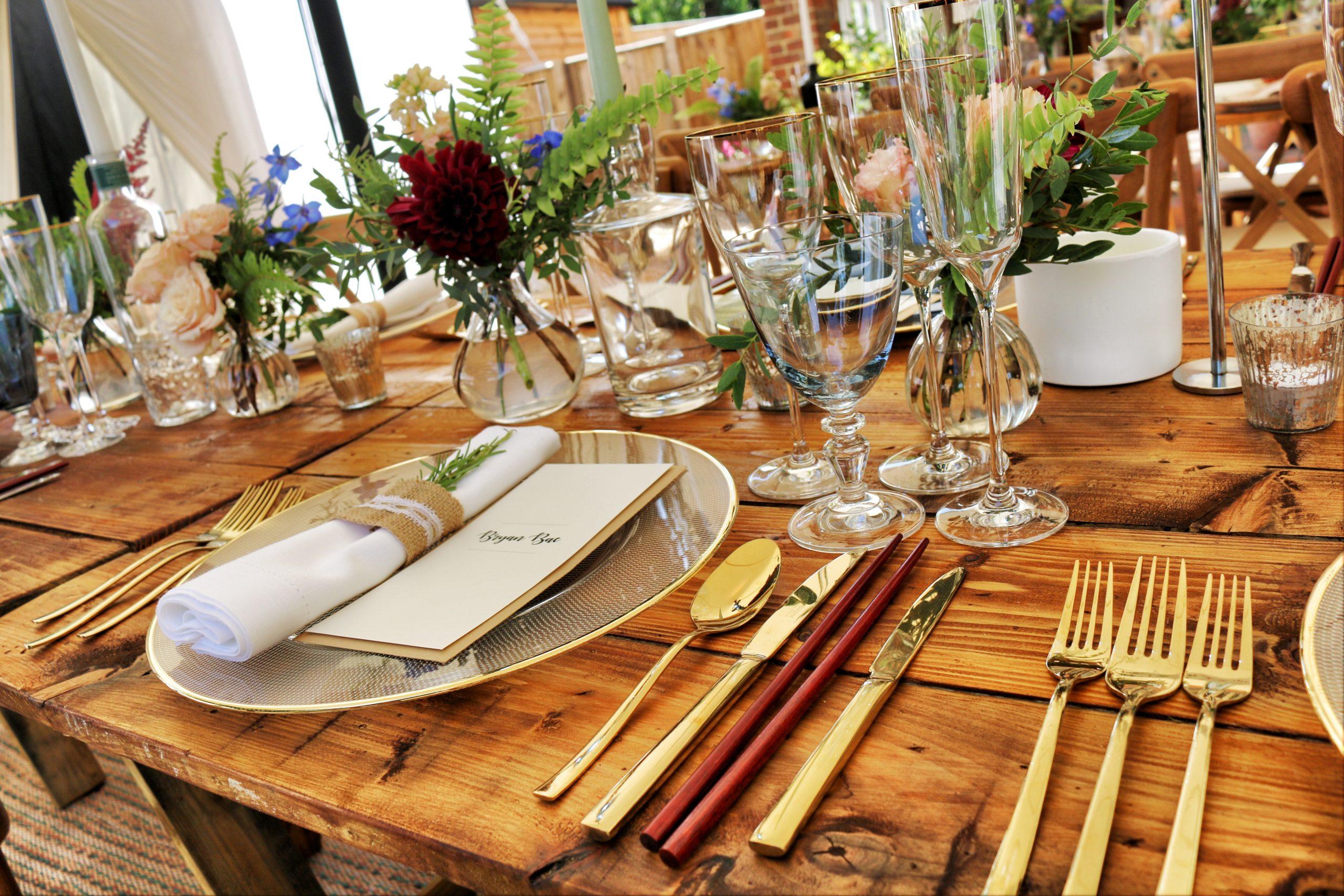 dinnerware-on-table-top-1395964